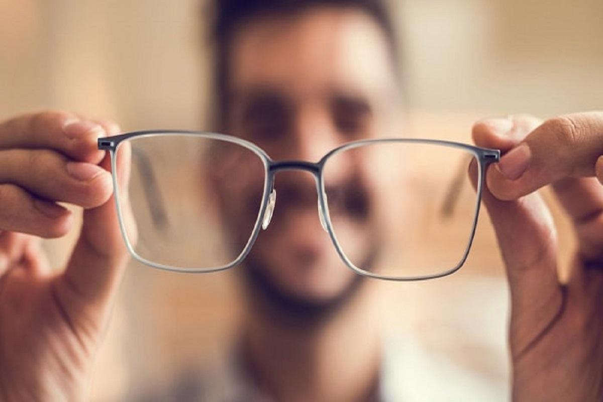 آموزش پیدا کردن نمره عینک با استفاده از اپلیکیشن بدون نیاز به چشمپزشک!