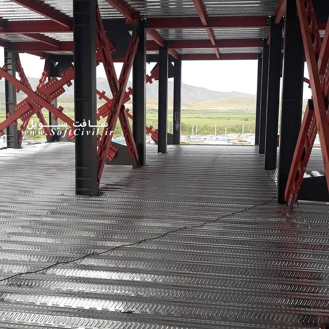 سقف عرشه فولادی، سبک و مقاوم با کارگاه تمیز