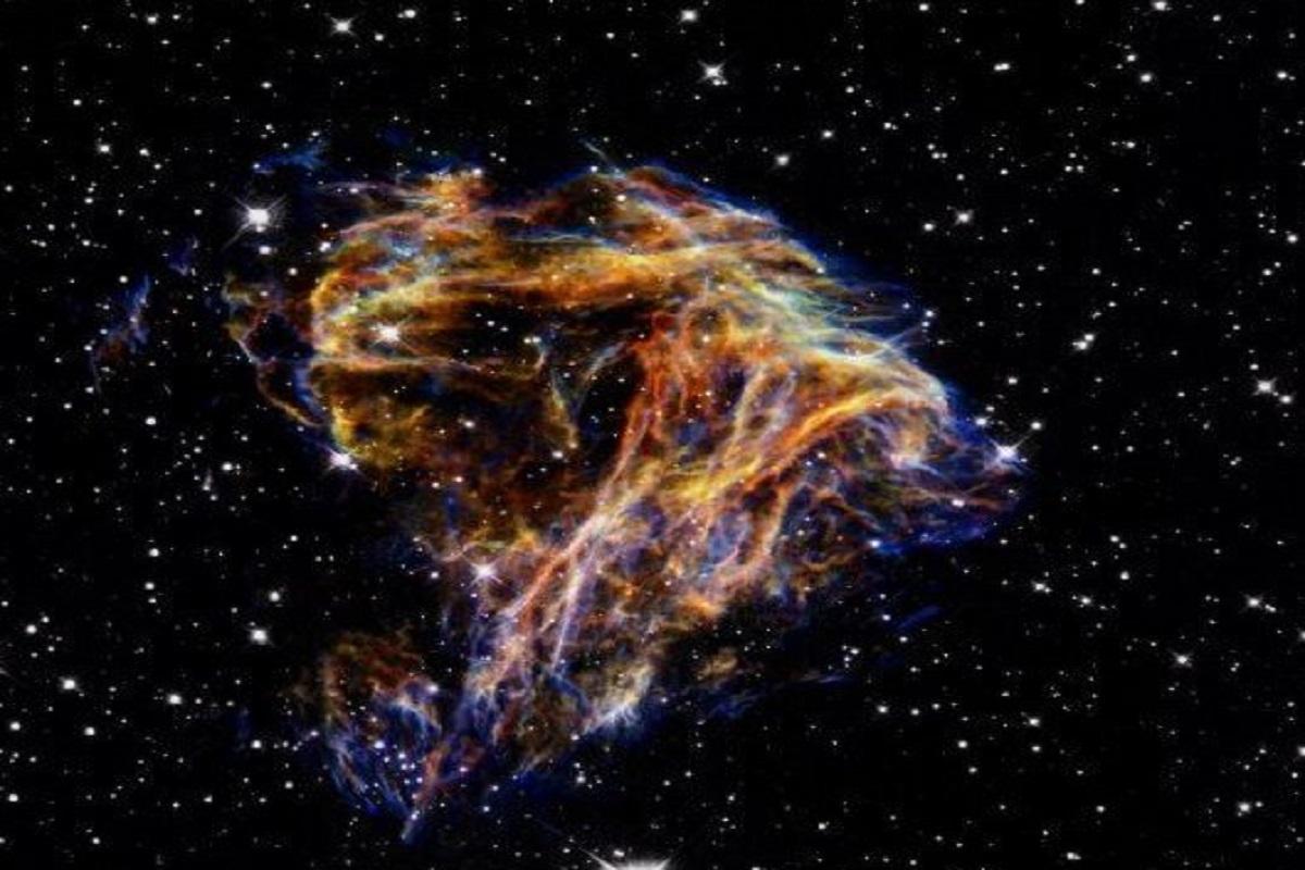 آتشبازی کهکشانی را در این تصویر ببینید!
