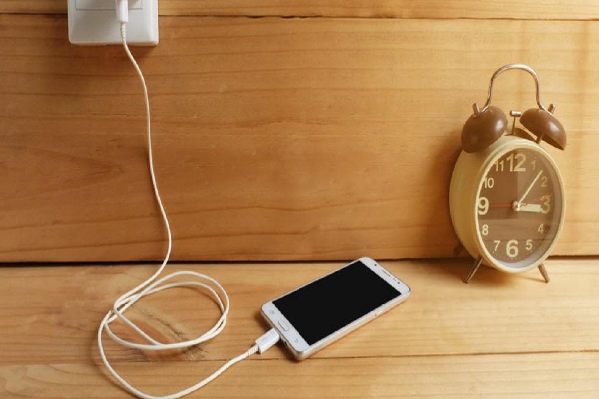 چرا شارژ باتری گوشیهای هوشمند خیلی زود تمام میشود؟