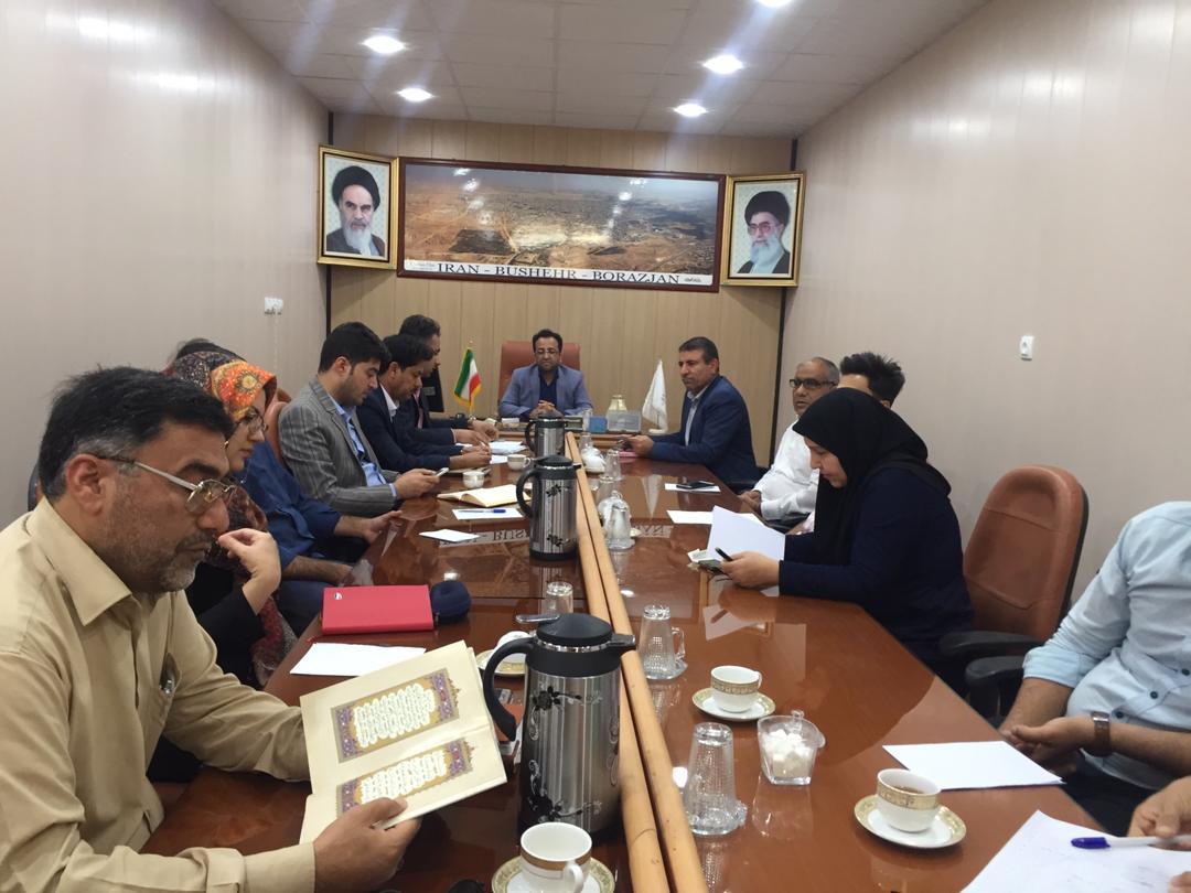 هادی دشتی: کار فرهنگی با انحصار در تضاد است