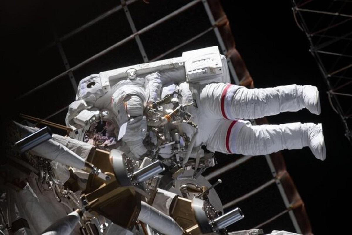 تصاویر فضانوردان حین پیادهروی فضایی!!!!