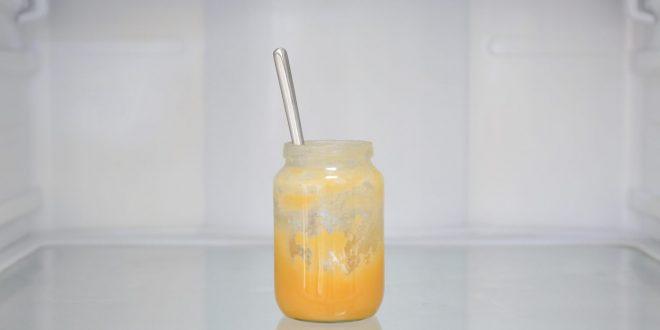 عسل طبیعی در یخچال